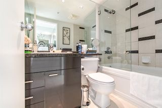 "Photo 10: 2202 1408 STRATHMORE Mews in Vancouver: Yaletown Condo for sale in ""WEST ONE"" (Vancouver West)  : MLS®# R2432434"