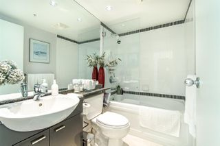 "Photo 13: 2202 1408 STRATHMORE Mews in Vancouver: Yaletown Condo for sale in ""WEST ONE"" (Vancouver West)  : MLS®# R2432434"