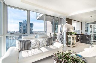"Photo 3: 2202 1408 STRATHMORE Mews in Vancouver: Yaletown Condo for sale in ""WEST ONE"" (Vancouver West)  : MLS®# R2432434"