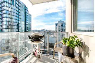 "Photo 15: 2202 1408 STRATHMORE Mews in Vancouver: Yaletown Condo for sale in ""WEST ONE"" (Vancouver West)  : MLS®# R2432434"