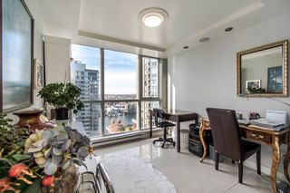 "Photo 12: 2202 1408 STRATHMORE Mews in Vancouver: Yaletown Condo for sale in ""WEST ONE"" (Vancouver West)  : MLS®# R2432434"
