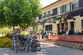 Photo 17: 301 1151 Oscar Street in VICTORIA: Vi Fairfield West Condo Apartment for sale (Victoria)  : MLS®# 423464