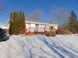 Photo 1: 12 BLACK HOLE Road in Sheffield Mills: 404-Kings County Residential for sale (Annapolis Valley)  : MLS®# 202009711