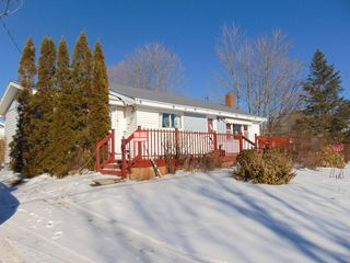Photo 2: 12 BLACK HOLE Road in Sheffield Mills: 404-Kings County Residential for sale (Annapolis Valley)  : MLS®# 202009711