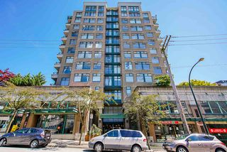 "Photo 3: 307 720 CARNARVON Street in New Westminster: Downtown NW Condo for sale in ""CARNARVON TOWERS"" : MLS®# R2492005"