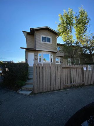Photo 1: 29 FALSHIRE Terrace NE in Calgary: Falconridge Row/Townhouse for sale : MLS®# A1031992
