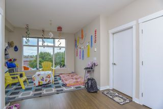 "Photo 7: 321 18818 68 Avenue in Surrey: Clayton Condo for sale in ""Calera"" (Cloverdale)  : MLS®# R2497931"