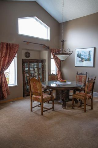Photo 6: 104 Hawkland Circle NW in Calgary: Hawkwood Detached for sale : MLS®# A1041091