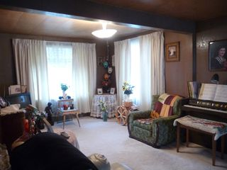 Photo 2: 5131 53 Avenue in Viking: House for sale