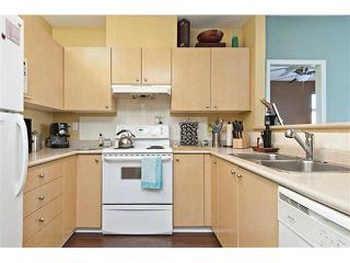 "Photo 6: # 303 580 12TH ST in New Westminster: Uptown NW Condo for sale in ""THE REGENCY"" : MLS®# V912758"
