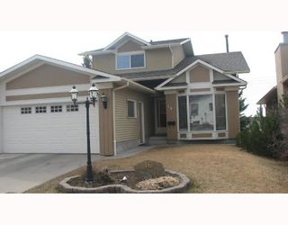 Main Photo: 16 RANCHRIDGE Crescent NW in CALGARY: Ranchlands Residential Detached Single Family for sale (Calgary)  : MLS®# C3321527