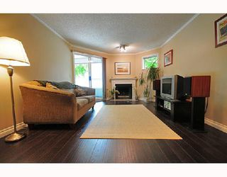 Photo 1: 112 925 W 10TH Avenue in Vancouver: Fairview VW Condo for sale (Vancouver West)  : MLS®# V714620