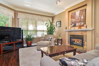 "Photo 3: 75 20881 87 Avenue in Langley: Walnut Grove Townhouse for sale in ""Kew Gardens"" : MLS®# R2395685"