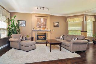 "Photo 2: 75 20881 87 Avenue in Langley: Walnut Grove Townhouse for sale in ""Kew Gardens"" : MLS®# R2395685"