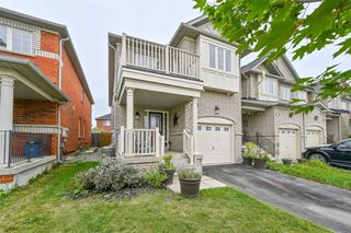 Photo 1: 605 Willmott Crescent in Milton: Clarke House (2-Storey) for sale : MLS®# W4578121