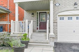 Photo 2: 605 Willmott Crescent in Milton: Clarke House (2-Storey) for sale : MLS®# W4578121