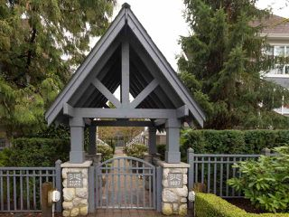 "Photo 18: 5 1027 LYNN VALLEY Road in North Vancouver: Lynn Valley Townhouse for sale in ""RIVER ROCK"" : MLS®# R2441169"