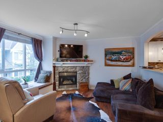 "Photo 7: 5 1027 LYNN VALLEY Road in North Vancouver: Lynn Valley Townhouse for sale in ""RIVER ROCK"" : MLS®# R2441169"