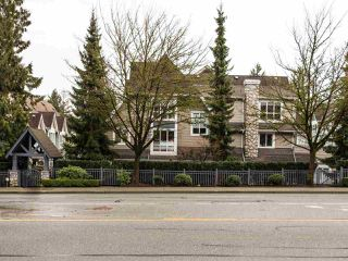 "Photo 2: 5 1027 LYNN VALLEY Road in North Vancouver: Lynn Valley Townhouse for sale in ""RIVER ROCK"" : MLS®# R2441169"