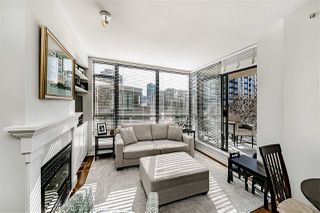 "Photo 3: 303 170 W 1ST Street in North Vancouver: Lower Lonsdale Condo for sale in ""ONE PARK LANE"" : MLS®# R2448628"