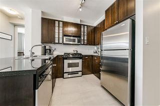"Photo 10: 303 170 W 1ST Street in North Vancouver: Lower Lonsdale Condo for sale in ""ONE PARK LANE"" : MLS®# R2448628"