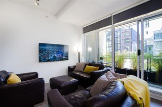 """Photo 9: 304 1252 HORNBY Street in Vancouver: Downtown VW Condo for sale in """"PURE"""" (Vancouver West)  : MLS®# R2456656"""