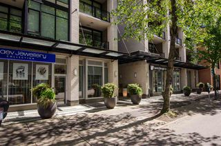"""Photo 3: 304 1252 HORNBY Street in Vancouver: Downtown VW Condo for sale in """"PURE"""" (Vancouver West)  : MLS®# R2456656"""