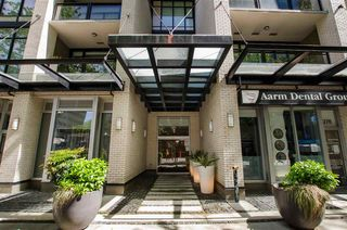 """Photo 2: 304 1252 HORNBY Street in Vancouver: Downtown VW Condo for sale in """"PURE"""" (Vancouver West)  : MLS®# R2456656"""