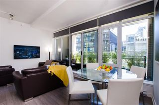 """Photo 7: 304 1252 HORNBY Street in Vancouver: Downtown VW Condo for sale in """"PURE"""" (Vancouver West)  : MLS®# R2456656"""