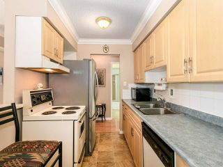 """Photo 10: 301 910 FIFTH Avenue in New Westminster: Uptown NW Condo for sale in """"Grosvenor Court"""" : MLS®# R2478805"""