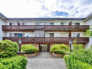 "Photo 2: 301 910 FIFTH Avenue in New Westminster: Uptown NW Condo for sale in ""Grosvenor Court"" : MLS®# R2478805"