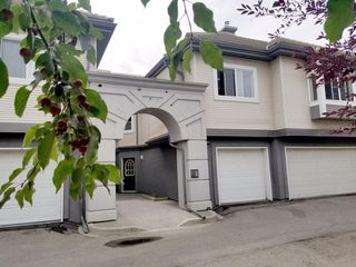 Photo 2: 33 5616 14 Avenue SW in Calgary: Christie Park Row/Townhouse for sale : MLS®# A1029523
