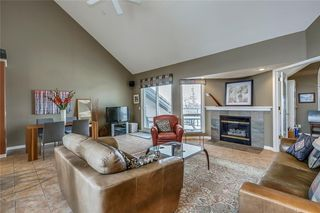Photo 3: 33 5616 14 Avenue SW in Calgary: Christie Park Row/Townhouse for sale : MLS®# A1029523