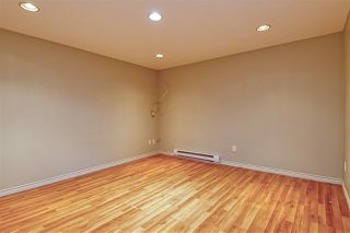 """Photo 16: 2112 PANORAMA Drive in North Vancouver: Deep Cove Townhouse for sale in """"COVE GARDENS"""" : MLS®# R2495254"""