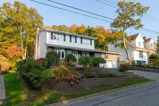 Photo 2: 117 Brentwood Drive in Bedford: 20-Bedford Residential for sale (Halifax-Dartmouth)  : MLS®# 202021619