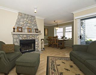Photo 3: 2073 LARCH Street in Vancouver: Kitsilano House 1/2 Duplex for sale (Vancouver West)  : MLS®# V642328