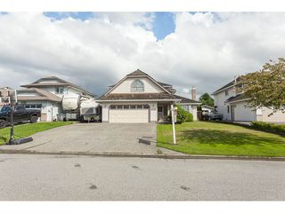 Photo 2: 6272 186A Street in Surrey: Cloverdale BC House for sale (Cloverdale)  : MLS®# R2405583