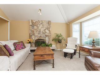 Photo 4: 6272 186A Street in Surrey: Cloverdale BC House for sale (Cloverdale)  : MLS®# R2405583