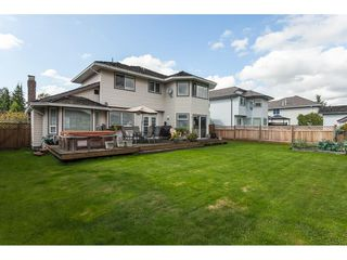 Photo 18: 6272 186A Street in Surrey: Cloverdale BC House for sale (Cloverdale)  : MLS®# R2405583