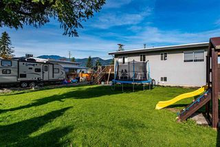 Photo 19: 46364 STRATHCONA Road in Chilliwack: Fairfield Island House for sale : MLS®# R2417030