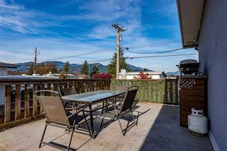 Photo 17: 46364 STRATHCONA Road in Chilliwack: Fairfield Island House for sale : MLS®# R2417030