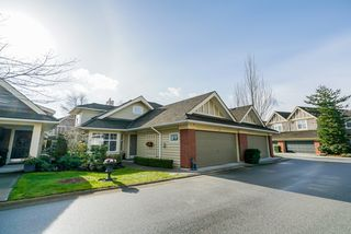 "Photo 3: 36 15450 ROSEMARY HEIGHTS Crescent in Surrey: Morgan Creek Townhouse for sale in ""CARRINGTON"" (South Surrey White Rock)  : MLS®# R2435526"