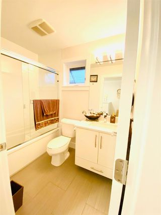"Photo 17: 53 6945 185 Street in Surrey: Clayton Townhouse for sale in ""Mackenzie Estates"" (Cloverdale)  : MLS®# R2510727"
