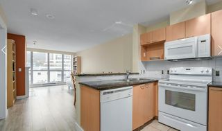 "Photo 4: 302 108 E 14TH Street in North Vancouver: Central Lonsdale Condo for sale in ""THE PIERMONT"" : MLS®# R2527606"