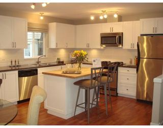 Photo 2: # 7 2780 ALMA ST in Vancouver: Kitsilano Townhouse for sale (Vancouver West)  : MLS®# V675285