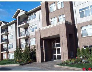 """Photo 2: 404 45769 STEVENSON Road in Sardis: Sardis East Vedder Rd Condo for sale in """"PARK PLACE"""" : MLS®# H2705052"""