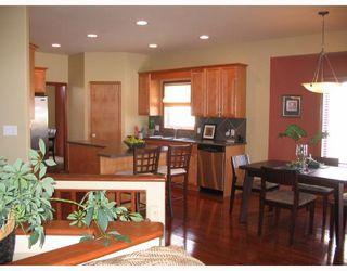 Photo 3: 134 WILLMINGTON Drive in WINNIPEG: Windsor Park / Southdale / Island Lakes Residential for sale (South East Winnipeg)  : MLS®# 2803972
