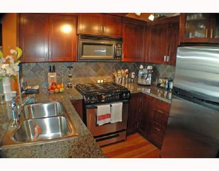 "Photo 1: 104 7 RIALTO Court in New_Westminster: Quay Condo for sale in ""MURANO LOFTS"" (New Westminster)  : MLS®# V710594"