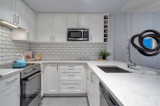 """Main Photo: 713 1088 RICHARDS Street in Vancouver: Yaletown Condo for sale in """"Richards Living"""" (Vancouver West)  : MLS®# R2394557"""