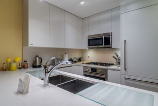 """Photo 3: 805 199 VICTORY SHIP Way in North Vancouver: Lower Lonsdale Condo for sale in """"TROPHY AT THE PIER"""" : MLS®# R2436522"""